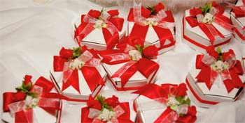 Get Wedding Party Favors Your Friends Will Love